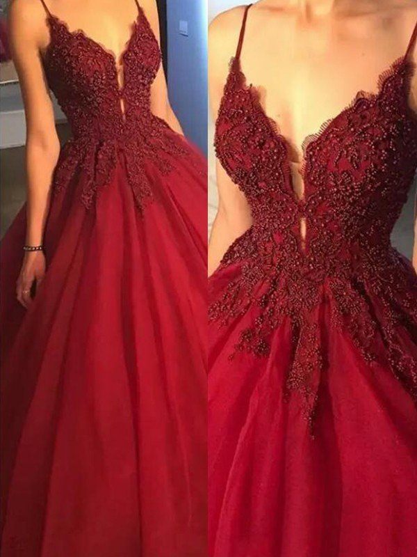 Ball Gown Sleeveless Spaghetti Straps Sweep/Brush Train With Applique Tulle Dresses