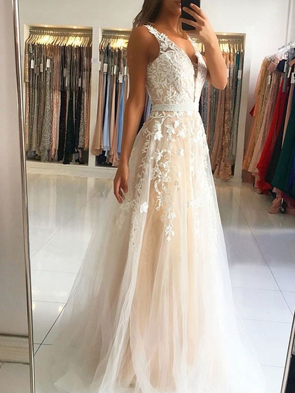 A-Line V-neck Sweep Brush Train Tulle Sleeveless With Applique Dresses
