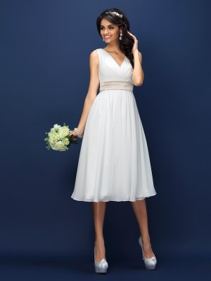 A-Line Chiffon V-neck Sleeveless Knee-Length With Sash/Ribbon/Belt Bridesmaid Dresses
