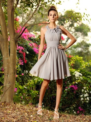 A-Line Chiffon Scoop Sleeveless Knee-Length With Hand-Made Flower Bridesmaid Dresses