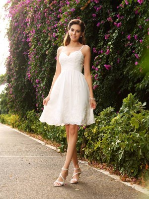 A-Line Lace Spaghetti Straps Sleeveless Knee-Length With Applique Wedding Dresses