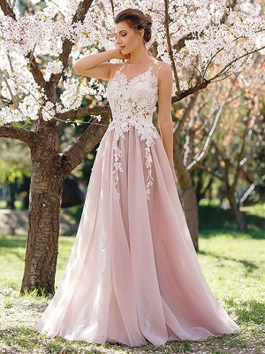 A-Line Jewel Sleeveless Floor-Length With Applique Tulle Dresses