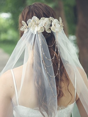 Attractive Tulle One-Tier Waltz Bridal Veils With Rhinestone/Hand-Made Flower