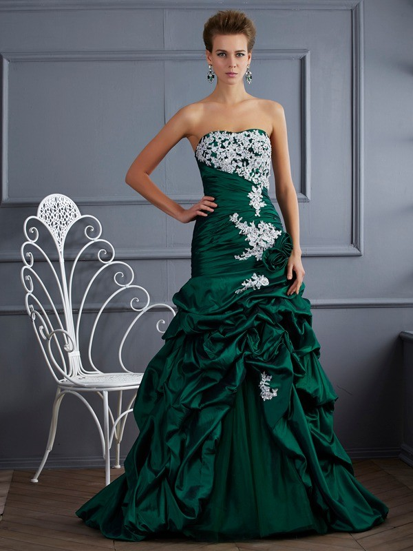 Ball Gown Taffeta Strapless Sleeveless Sweep/Brush Train With Applique Quinceanera Dresses