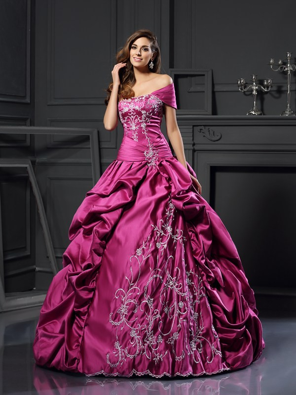 Ball Gown Satin Sweetheart Sleeveless Floor-Length With Applique Quinceanera Dresses