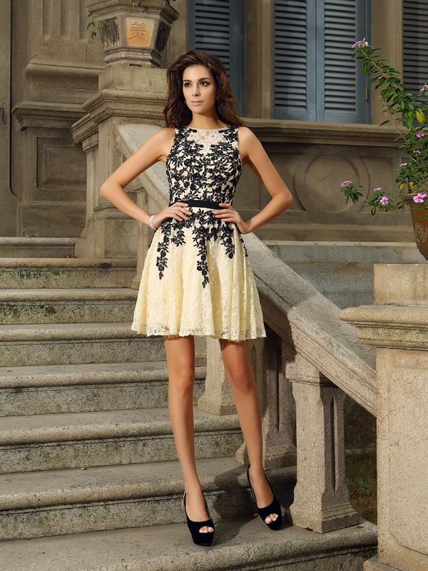 A-Line Lace Scoop Sleeveless Short/Mini With Applique Dresses