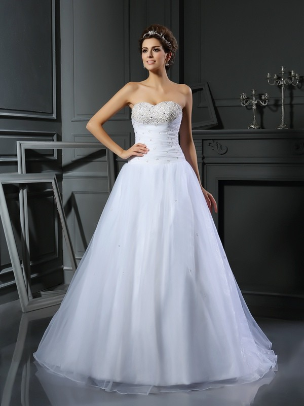 Ball Gown Satin Sweetheart Sleeveless Court Train With Beading Wedding Dresses