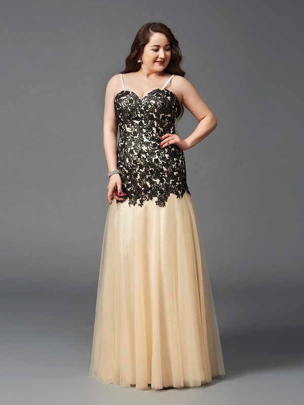 Sheath Net Spaghetti Straps Sleeveless Floor-Length With Applique Plus Size Dresses