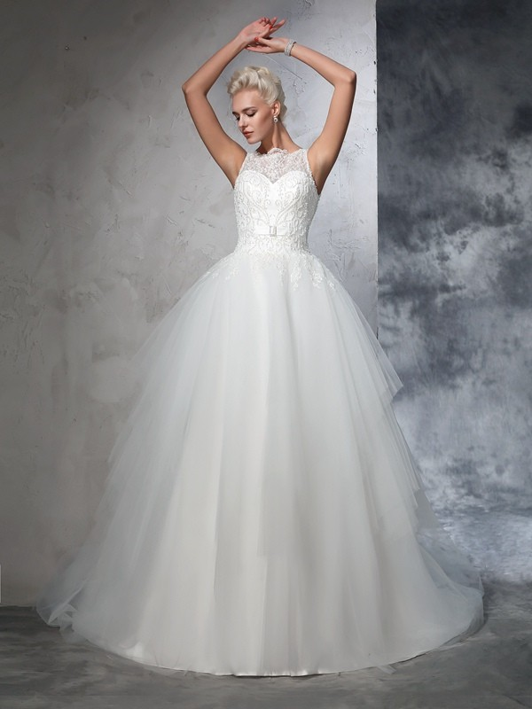 Ball Gown Net Bateau Sleeveless Chapel Train With Applique Wedding Dresses