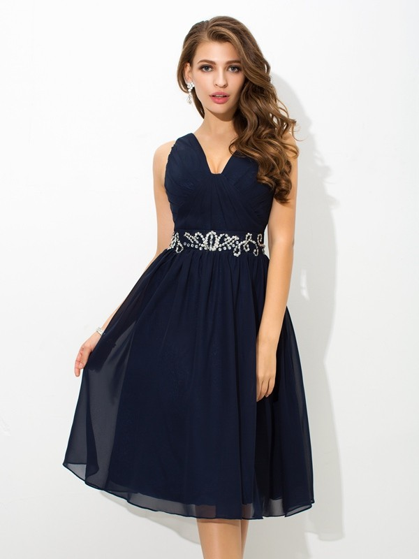 A-Line Chiffon Straps Sleeveless Knee-Length With Beading Dresses