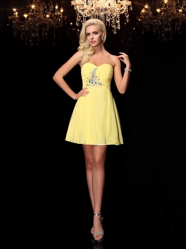 A-Line Chiffon Sweetheart Sleeveless Short/Mini With Rhinestone Dresses