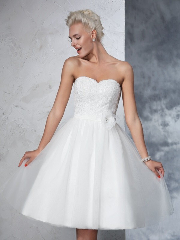 A-Line Net Sweetheart Sleeveless Knee-Length With Hand-Made Flower Wedding Dresses