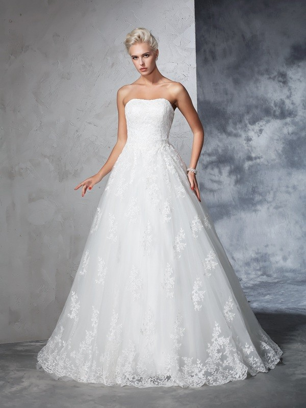 Ball Gown Lace Strapless Sleeveless Court Train With Lace Wedding Dresses