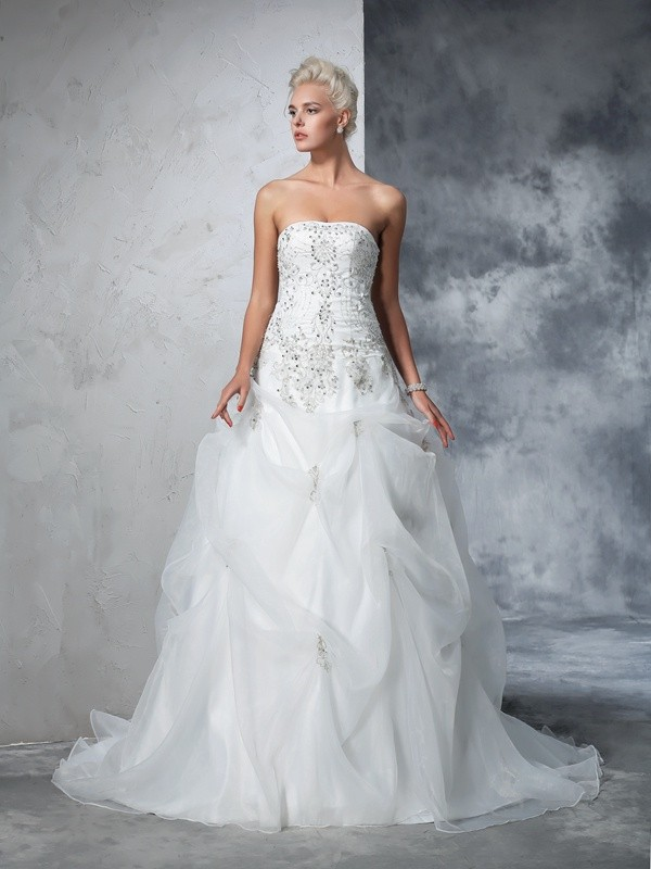 Ball Gown Tulle Strapless Sleeveless Chapel Train With Beading Wedding Dresses