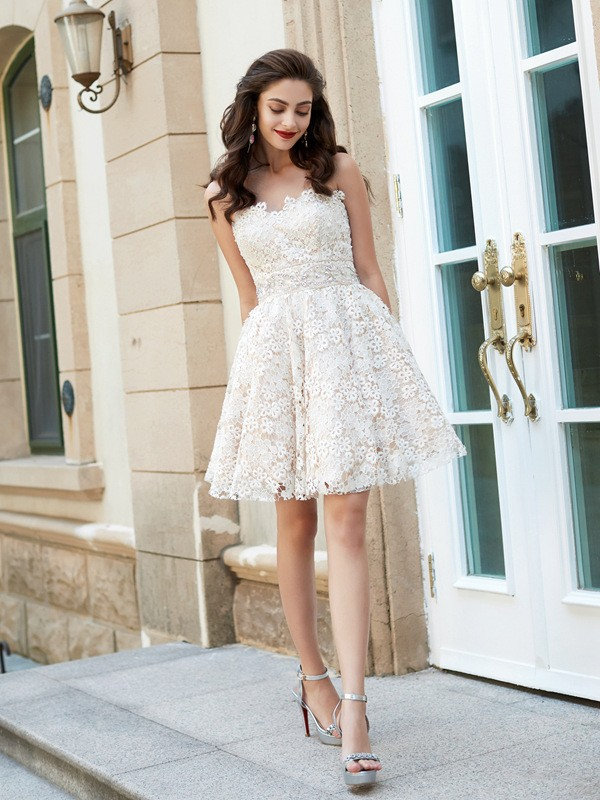 A-Line Lace Sweetheart Sleeveless Short/Mini With Rhinestone Dresses