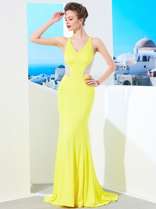 Mermaid Spandex V-neck Sleeveless Sweep/Brush Train With Beading Dresses
