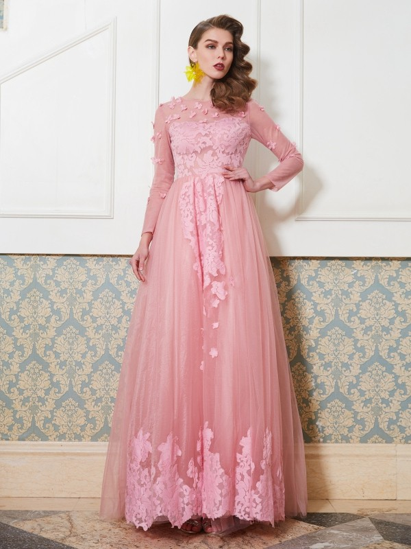 A-Line Tulle Scoop 3/4 Sleeves Floor-Length With Applique Dresses