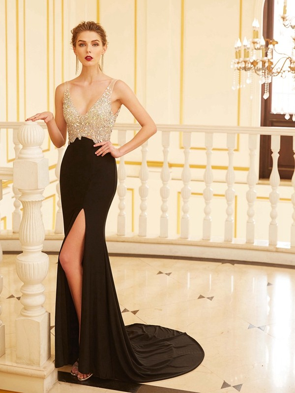 Sheath Spandex V-neck Sleeveless Sweep/Brush Train With Beading Dresses