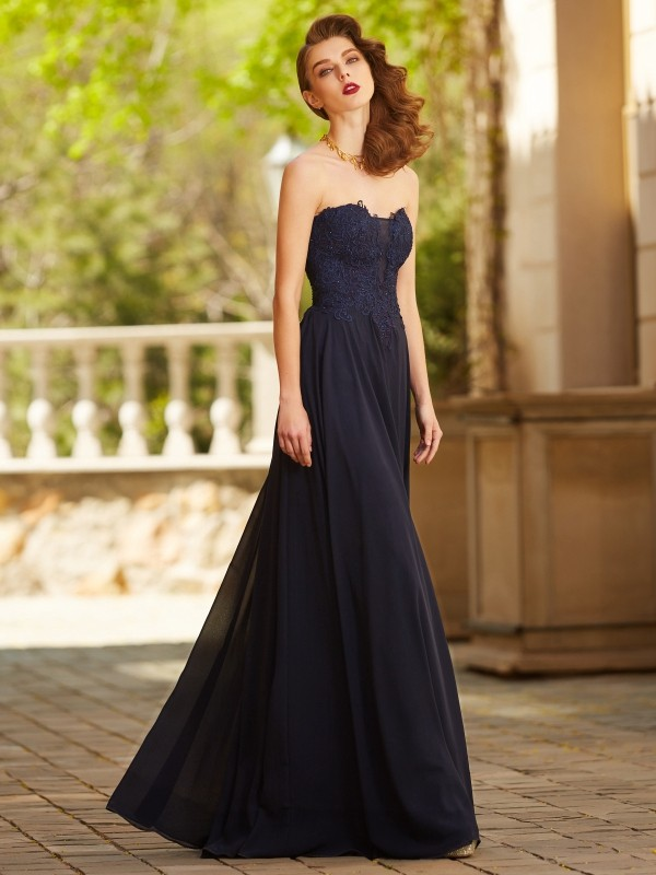 A-Line Chiffon Sweetheart Sleeveless Floor-Length With Applique Dresses