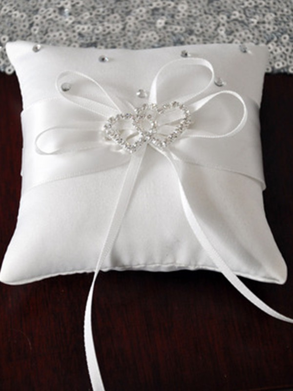 Delicate Ring Pillow In Satin With Rhinestone