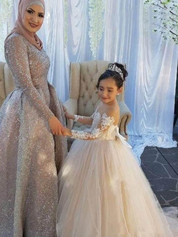 Ball Gown Long Sleeves Off-the-Shoulder Sweep/Brush Train With Applique Tulle Flower Girl Dresses