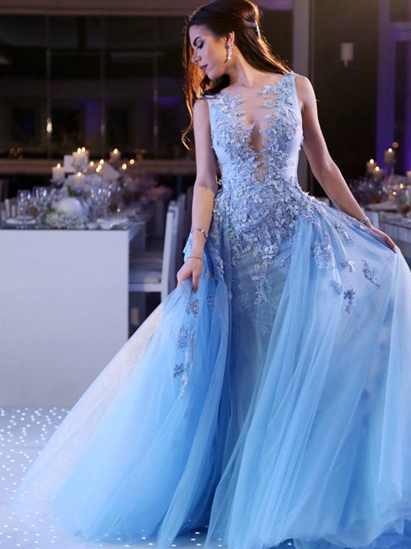 Ball Gown Sleeveless Scoop Sweep/Brush Train With Applique Tulle Dresses