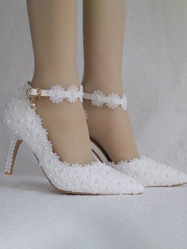 Women's PU Closed Toe With Flower Chunky Heel High Heels