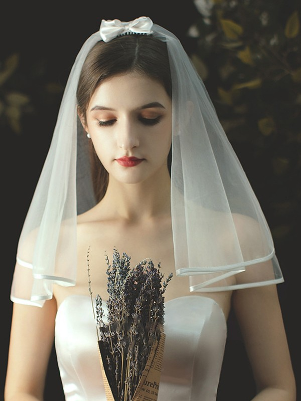 Brilliant Tulle With Bowknot Two-Tier Shoulder Wedding Veils