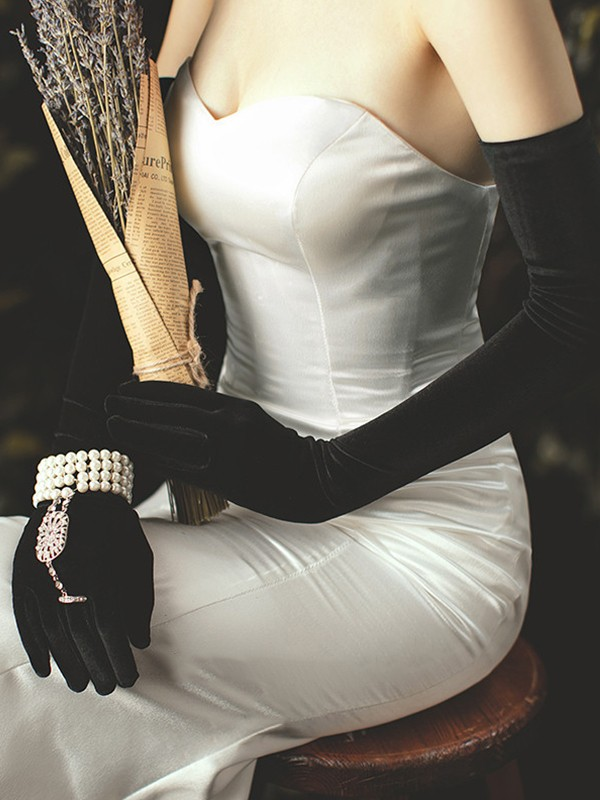 Elegant Velvet Opera Length Wedding Gloves