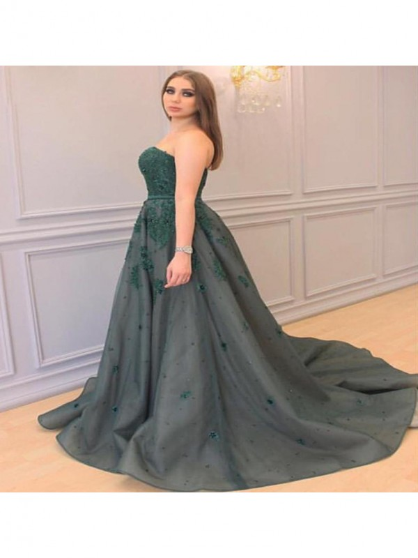 A-Line Sweetheart Sleeveless With Applique Court Train Tulle Plus Size Dresses