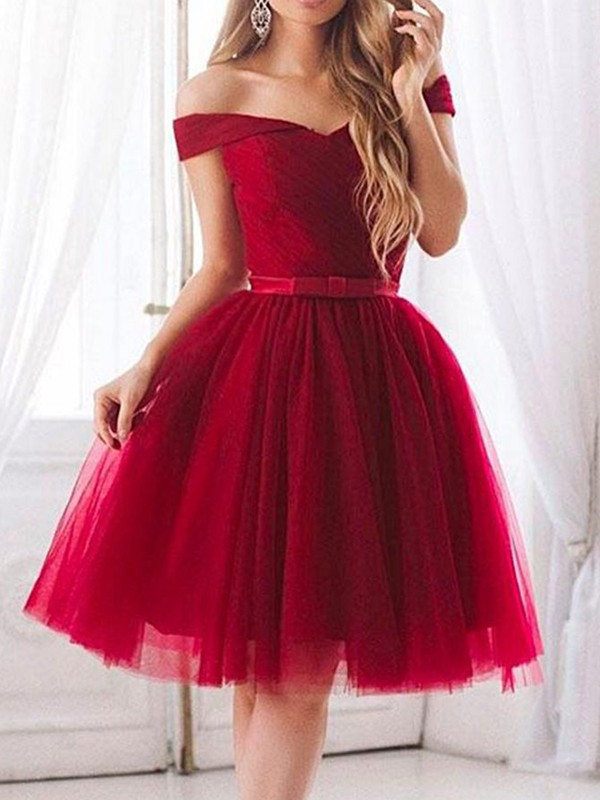 A-Line Tulle With Ruffles Off-the-Shoulder Sleeveless Knee-Length Dresses