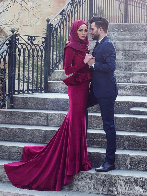 Mermaid Long Sleeves Scoop Sweep/Brush Train With Ruffles Velvet Muslim Dresses