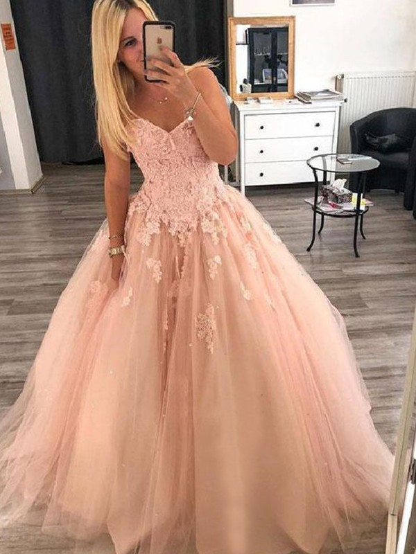 Ball Gown Sleeveless Sweetheart Floor-Length With Applique Tulle Dresses