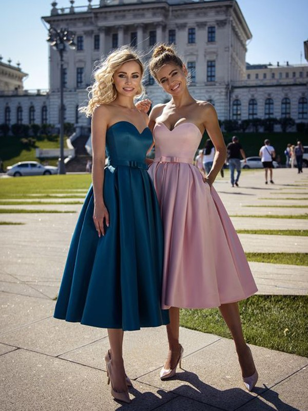 A-Line Satin Bowknot Sweetheart Sleeveless Tea-Length Homecoming Dresses