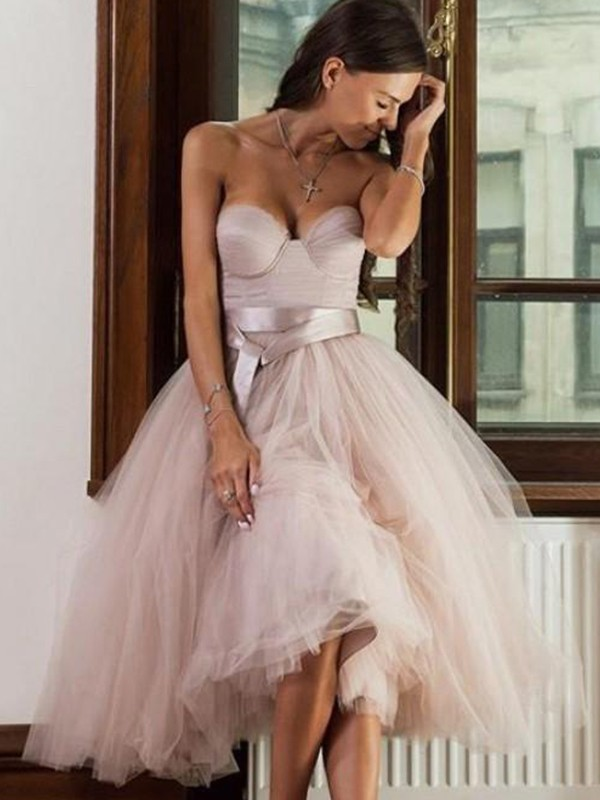 A-Line Tulle Sash/Ribbon/Belt Sweetheart Sleeveless Tea-Length Homecoming Dresses