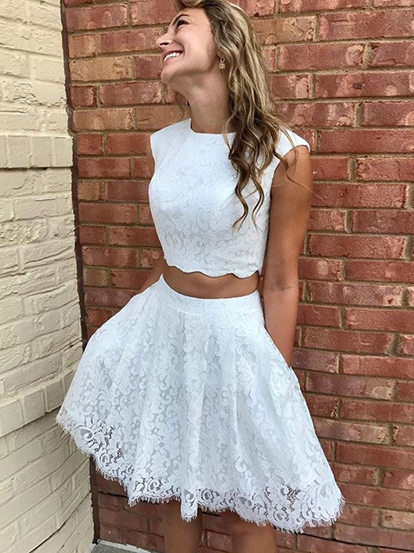 A-Line Lace Lace Scoop Sleeveless Short/Mini Homecoming Dresses
