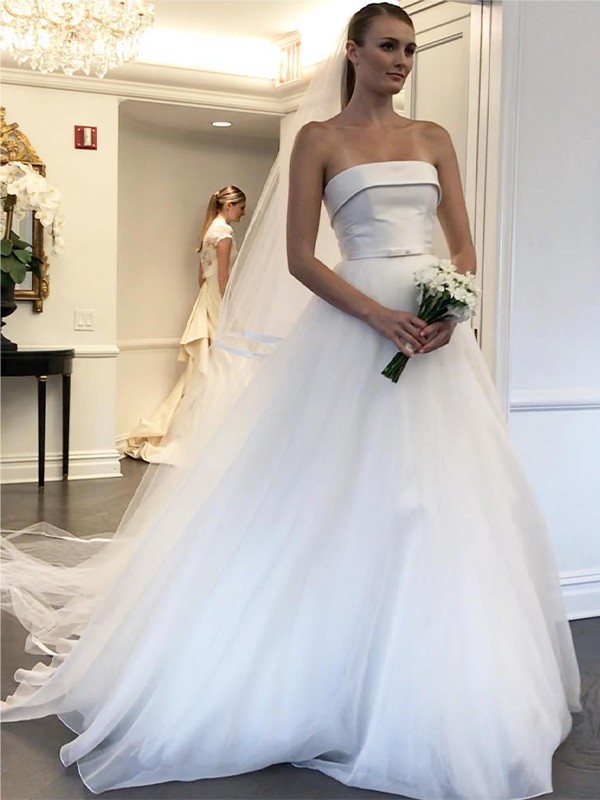 A-Line/Princess Strapless Sleeveless Tulle Sweep/Brush Train Ruffles Wedding Dresses