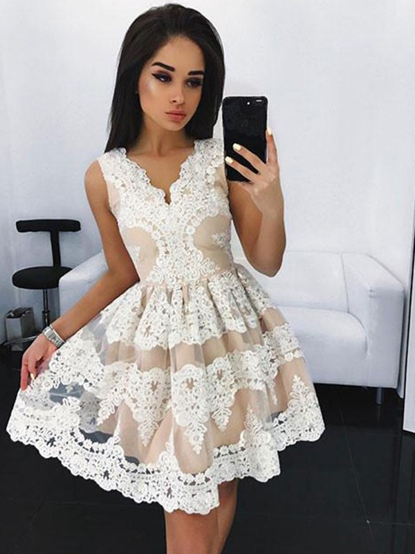A-Line Tulle V-neck Sleeveless Short/Mini With Lace Dresses