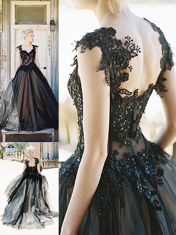 Ball Gown Sleeveless Sweetheart With Lace Sweep/Brush Train Tulle Dresses
