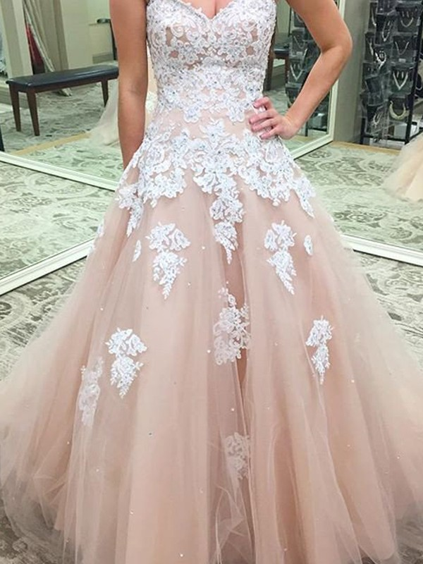 Ball Gown Tulle Sweetheart Sleeveless Floor-Length With Applique Dresses