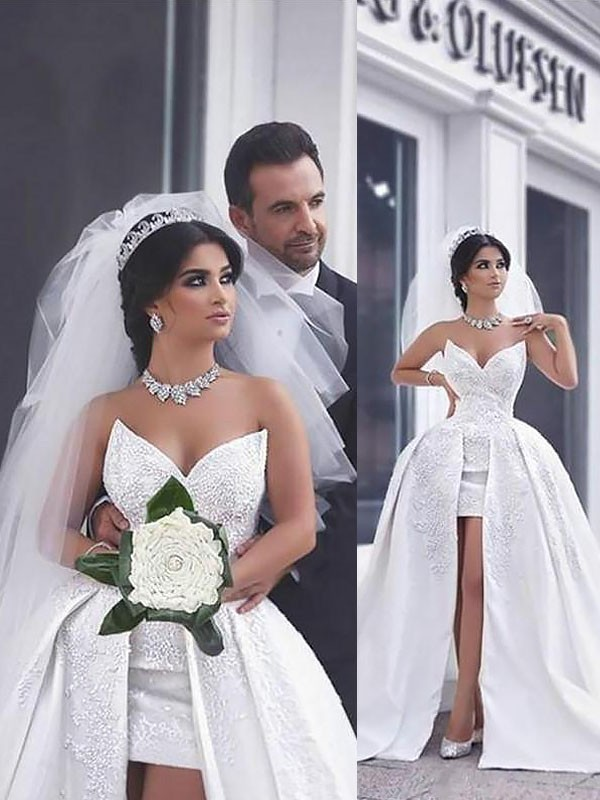 Ball Gown With Beading Satin Sleeveless Chapel Train Sweetheart Wedding Dresses