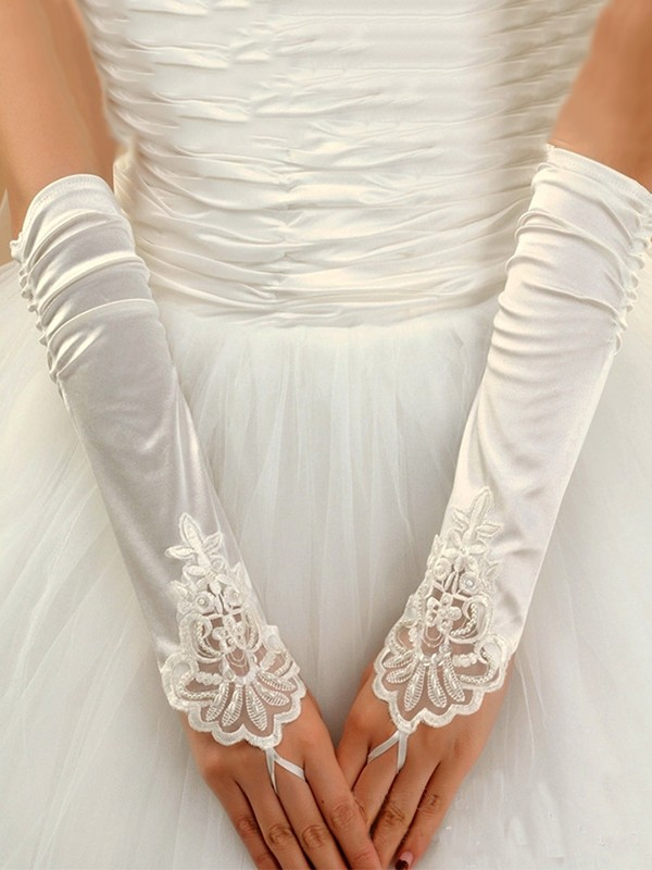 Graceful Cloth With Applique Wedding Gloves