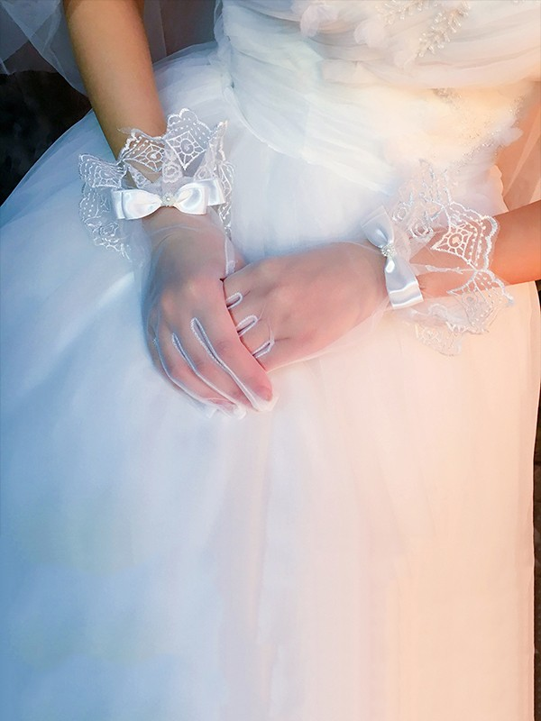 Pretty Tulle Bowknot Wedding Gloves