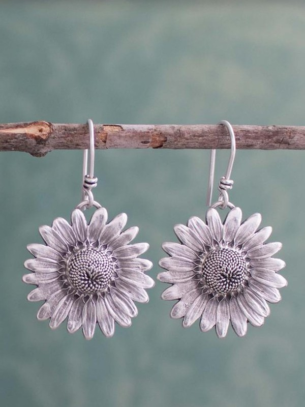Hot Sale Daisy Retro Sunflower Alloy Earrings