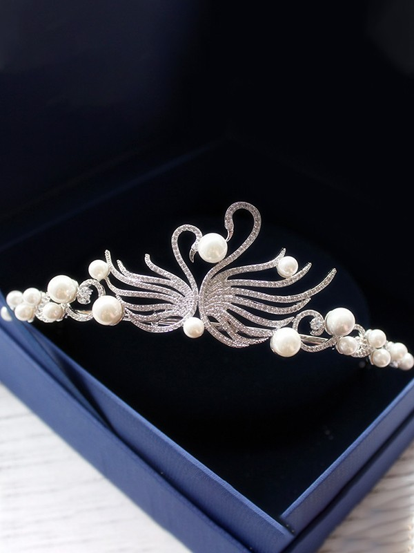 Elegant Pearl With Swan Headpieces For Women