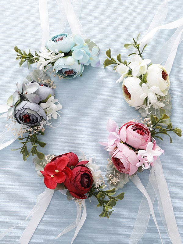 Graceful Cloth Wrist Corsage