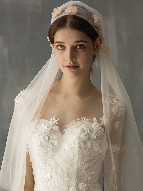 Wonderful Tulle One-Tier Elbow Bridal Veils With Applique
