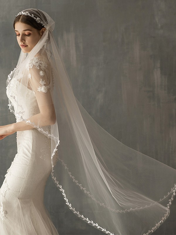 Delicate Tulle One-Tier Waltz Bridal Veils