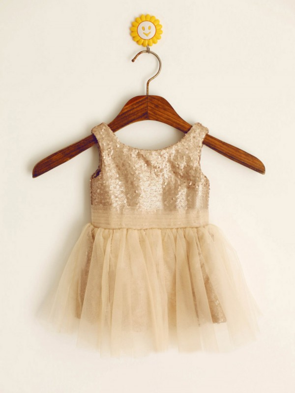 A-Line Sequins Scoop Sleeveless Knee-Length With Sequin Flower Girl Dresses
