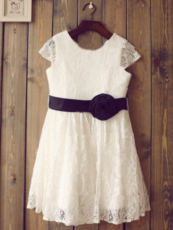 A-Line Lace Scoop Short Sleeves Tea-Length With Hand-Made Flower Flower Girl Dresses